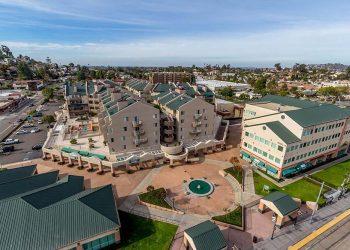 La-Mesa-Village-Plaza